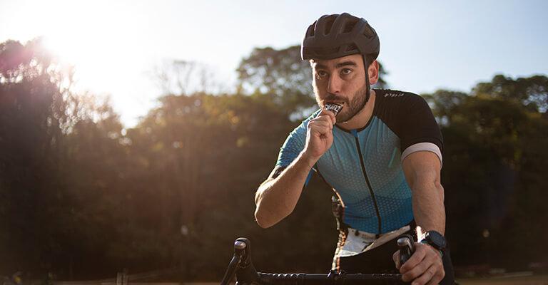 Przepisy na batony energetyczne, które odżywią twój organizm podczas jazdy na rowerze