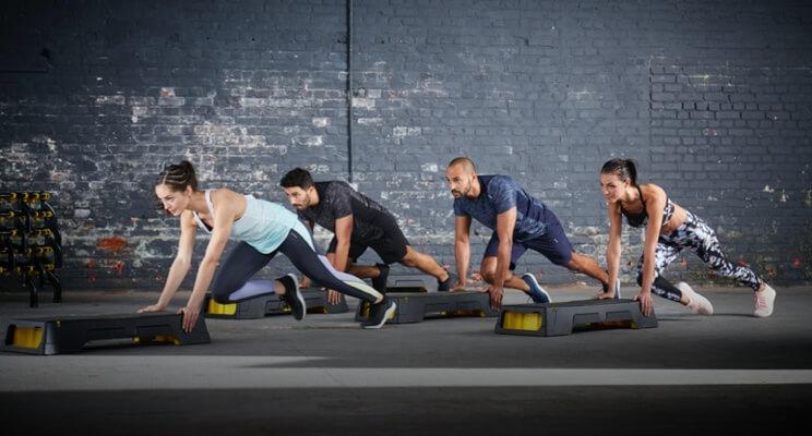 Trening interwałowy – jak wygląda? Ćwicz w domu, na bieżni, na siłowni!
