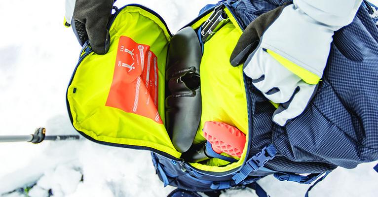 Co zabrać zimą na górski szlak?